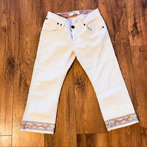 Vintage White Levi's Cropped Jeans